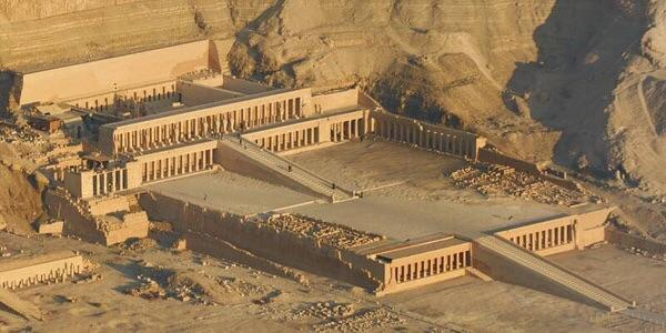 "Beautiful. #Egypt ""@Machezm: The temple of Hatshepsut, Luxor http://t.co/hcwf5pLTkm"""