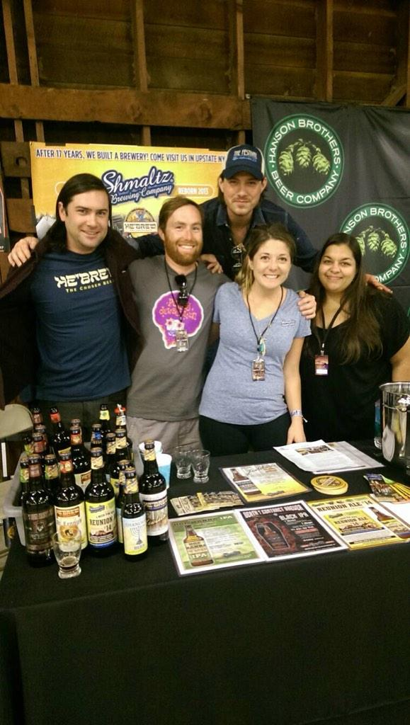 Last session group photo at the #shmaltzbrewing #hansonbrothersbeers @MmmhopsBeer table @TheFestivalUS #HopMannaIPA http://t.co/jmBqnvrxLF