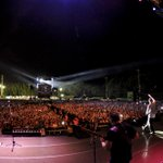 RT @Baterisma13: Gracias Buenos Aires. Tocar aquí es como tocar en casa! @Calle13Oficial @Visitante13 @Desdelabateria @Multi_Viral http://t…