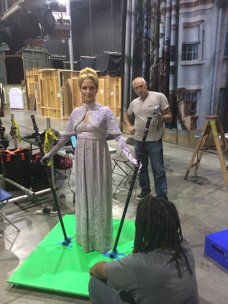 "To be ""frozen"" I had to be digitally captured in this contraption. What we do for art http://t.co/RO3geQWgcl"
