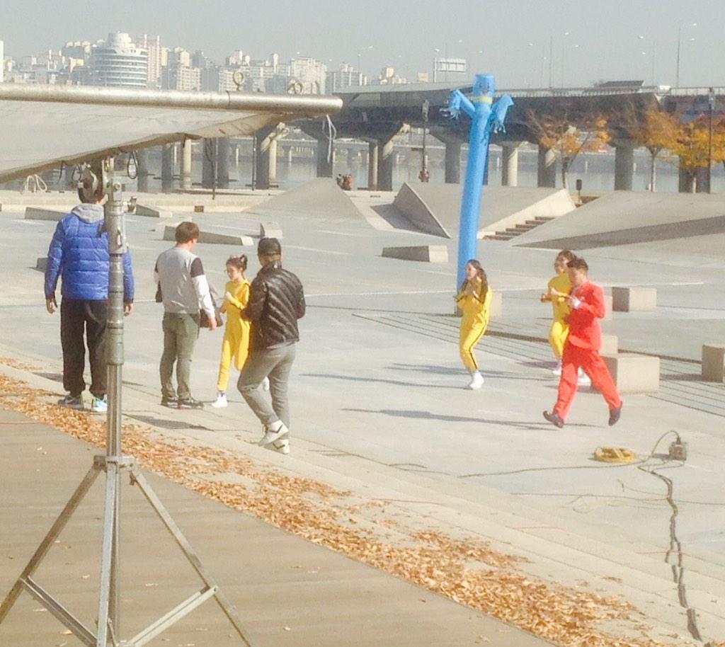 티아라 한강에서 뮤비 찰영! #티아라 #tara #t-ara http://t.co/XAC7ctrHty