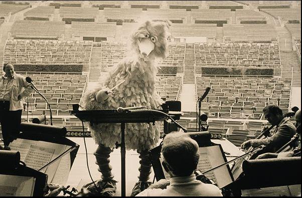 Happy 45th Birthday @SesameStreet! In '77, Big Bird conducted @LAPhil at @HollywoodBowl (via: http://t.co/Si2qtJK6gw) http://t.co/orEweGDU3J