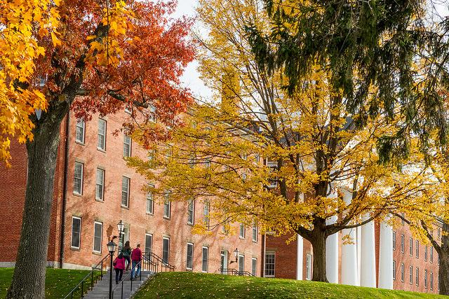 This is November at Amherst. Not bad, don't you think? http://t.co/DYjNoIParJ