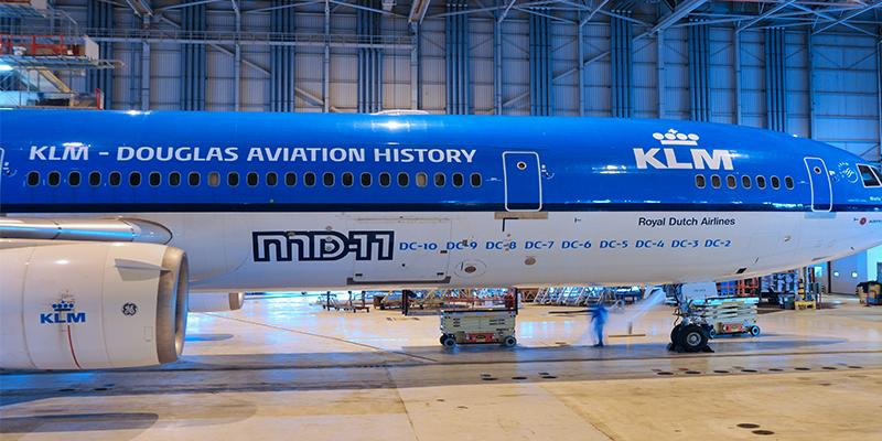 KLM and fans bid final farewell to the MD-11