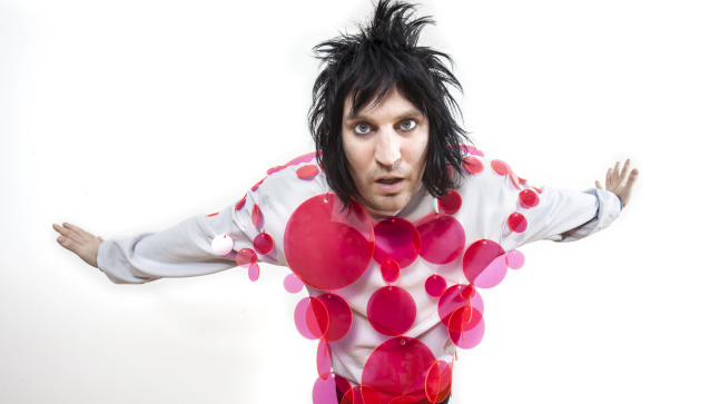 Missed our interview with @NoelFielding11 in today's mag? We're here to help: http://t.co/2JUXTr3Bmo http://t.co/RZlmw7UeBG
