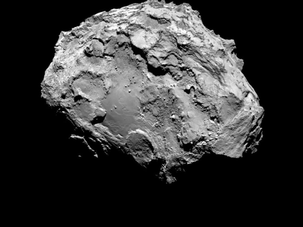 Anyone else getting rather excited about the first ever landing ON A COMET tomorrow?!  http://t.co/KhHCS0gw9C http://t.co/KW0L8864SM