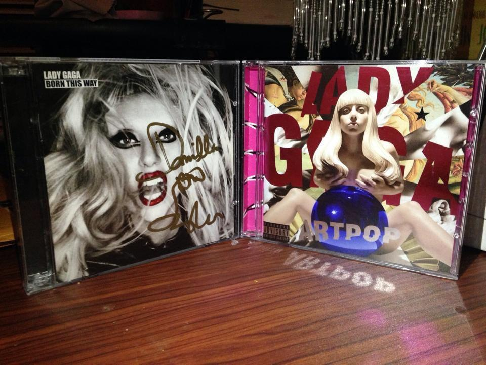 As soon as I bought ARTPOP, I had to take a picture of it with my signed BTW album
