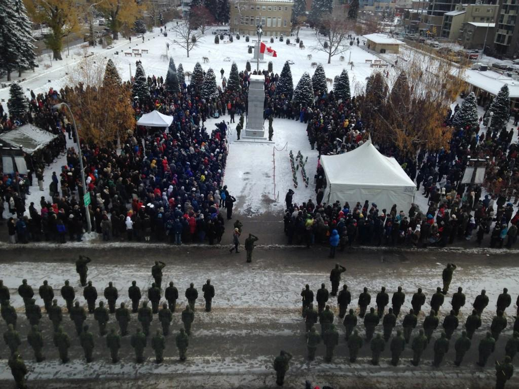 Calgary Remembers. Ceremony at Central Memorial Park moments ago. #RememberanceDay is everyday #yyc #LestWeForget http://t.co/nv42dZHJcb