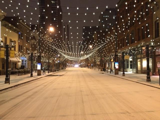 Good Morning #Denver!  Pretty scene, but pretty darn cold at 5 degrees! Wind Chill -10F http://t.co/XXBAv4eXau