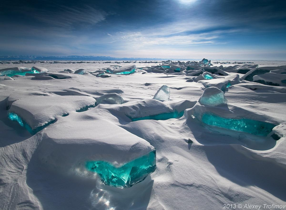 Turquoise Ice, Northern Lake Baikal, Russia http://t.co/dec93xVufS