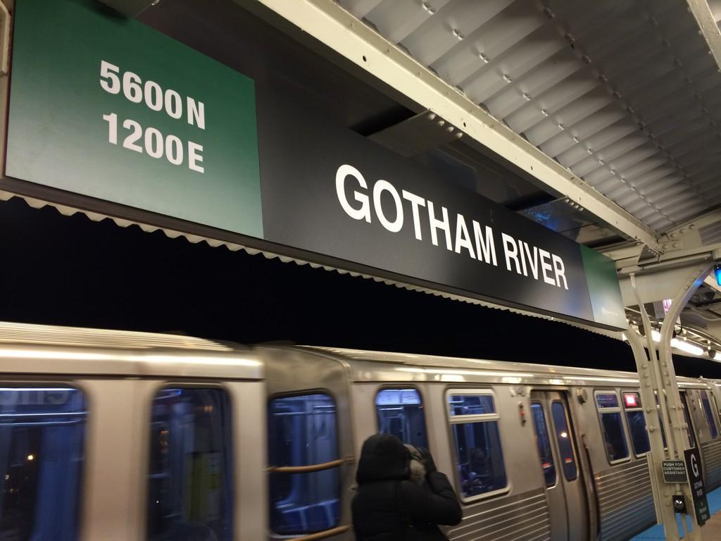 """Lawrence Red line stop has been turned into """"Gotham River"""" for """"Batman v Superman."""" http://t.co/zN5TQZcQ0p"""