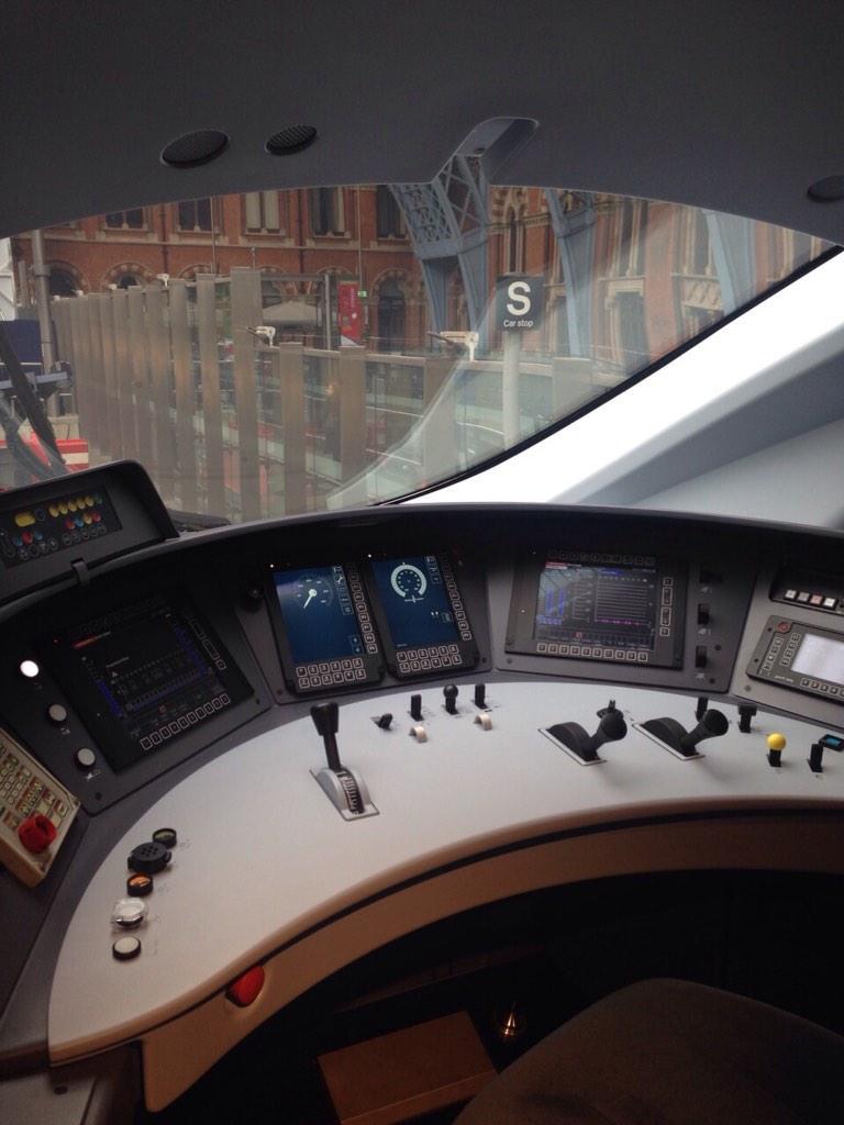 The driver's view from inside the shiny new @EurostarUK #e320 @StPancrasInt http://t.co/snGJ36JwQi