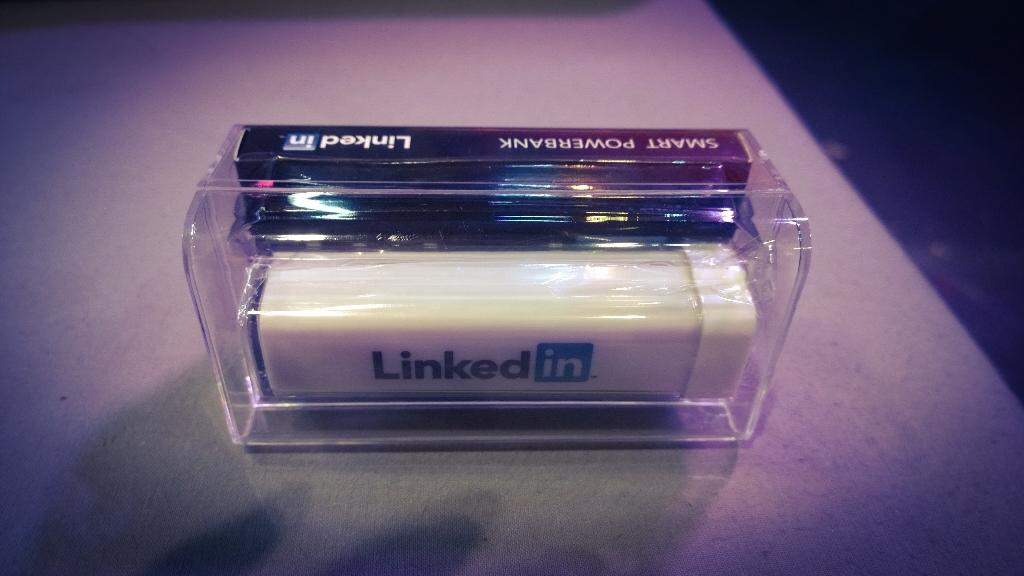 My new 'smart powerbank' as a gift from Linkedin. Just what I need after tweeting at #intalent#LinkedInIsSpoilingUs http://t.co/M0GcsEecDh