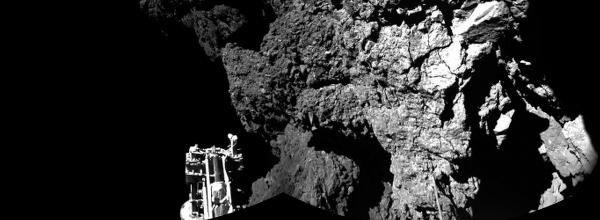 Images from Philae show that ESA's lander is on the comet! http://t.co/QyjLLZTdx2 http://t.co/xVrcibtCAi
