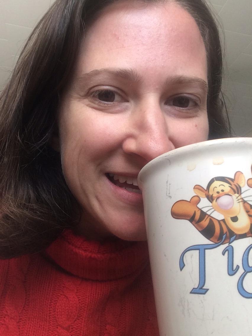 Staying warm w tea and blanket. How about you? @ErinHuffstetler @moneygraffiti @BWFeldman #saveenergy #lowermybills http://t.co/EOG4CUc58i