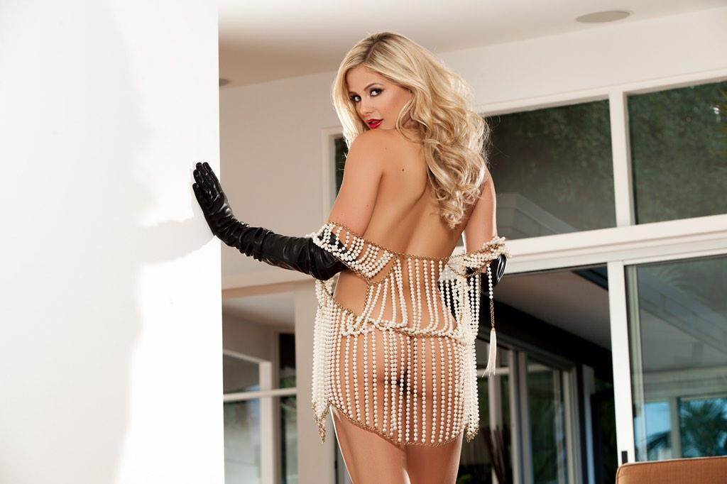 Diamonds may be a girl's best friend, but pearls are my bottom b*tch ?    ? #PlayboyPlus