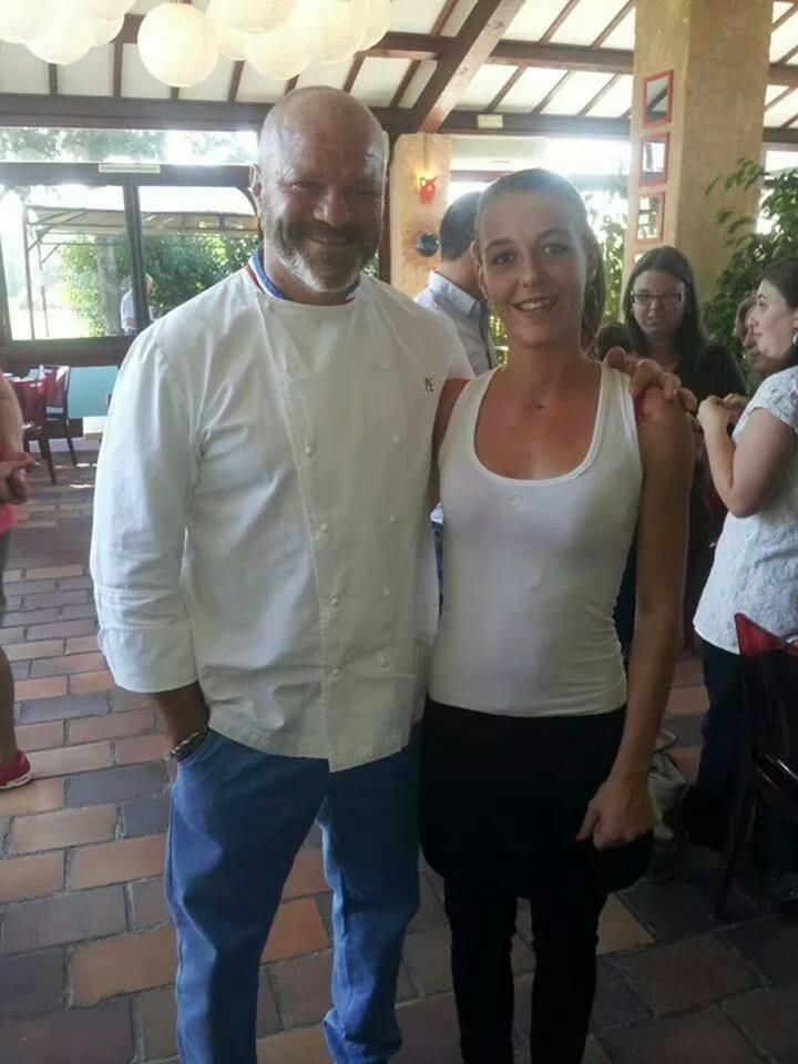 Laura tait serveuse dans un restaurant qui a re u l - Restaurant corte cauchemar en cuisine ...