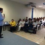 Da conferencia sobre cardiología a nuestros estudiantes de las diferentes áreas blancas #Oaxaca #TwitterOax http://t.co/6n1PcUYBpE