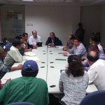 2/2 ..de San Juan Juquila Mixes, Yautepec, y representantes de la empresa ejecutora de la obra #Oaxaca @GabinoCue http://t.co/3GhlXaVVYx