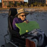 100-year-old woman sees ocean for first time: 'Brought tears to my eyes' http://t.co/G6hm5Uty6k http://t.co/hPxrvxw8OM