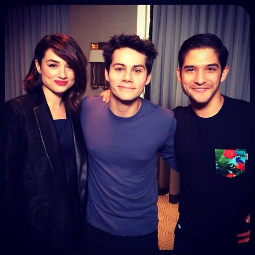 Teen wolf - Dylan O'Brien , tyler posey ,crystal Reed http://t.co/IadY74LhSC