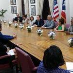 @DavidBernierPR @BacoFomento @DeptEstadoPR reunión empresarios puertorriqueños y colombianos http://t.co/jfq0onvhqn