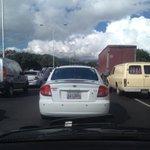 via @TWIRO92: @chinoelguardian valle coche trancada dsd pasarela hacia centro http://t.co/8gm7CCkUDt #Caracas