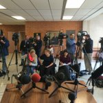 Heres what it looks like 54 minutes before @CharlieADooley/@MayorSlays presser: http://t.co/wlWdJ6DOC1