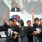 #Tailandia Protesta inspirada en el saludo de #HungerGames deja cinco detenidos http://t.co/sKPrAipVH4 http://t.co/5epQZoHfFQ