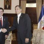 Que linda bandera paraguaya al revés. ... X dios!!???????????? que vergüenzaaaaa!!! http://t.co/Urk6r1pa6k