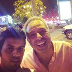 سلفي مع  الجميل المعلق الجزائري / الاخضر بريش http://t.co/6TDDtV2iCk