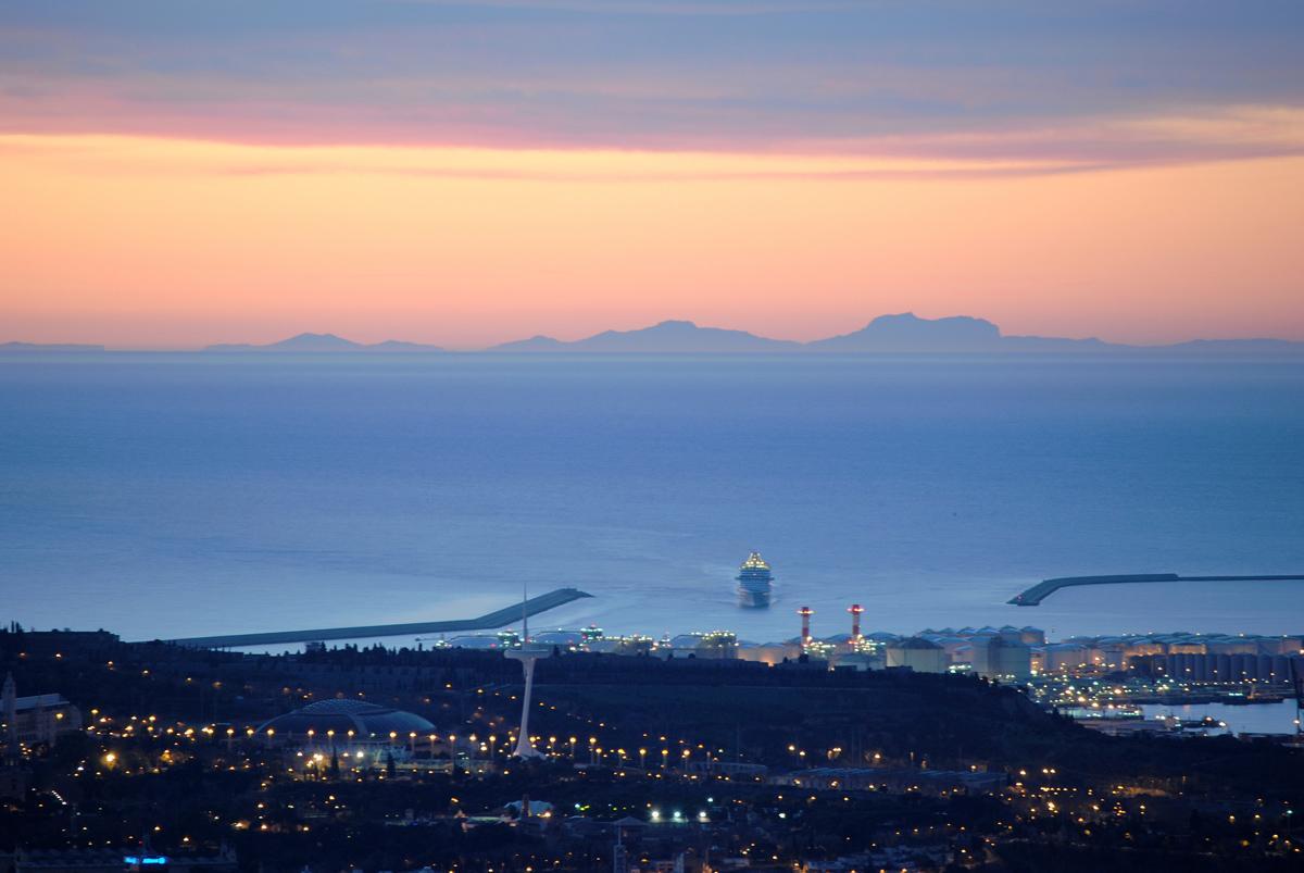 5 factors clau per poder veure Mallorca des de Catalunya http://t.co/RfqvITCUjF (foto: @alfons_pc) http://t.co/aBJUU9btvG