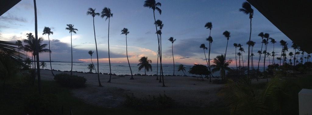 Te regalo mi ocaso, te regalo el instante en que el sol se encuentra con el horizonte. Mua http://t.co/k8NnCnKxFY