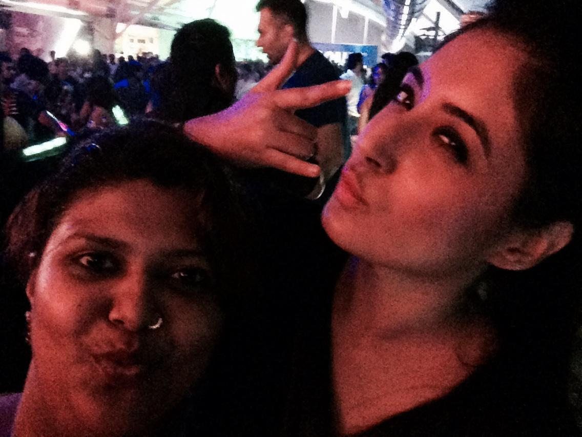 But first let me take a selfie #TheChainSmoker at #Vh1SupersonicArcade @Vh1India http://t.co/ltebfZJyEF
