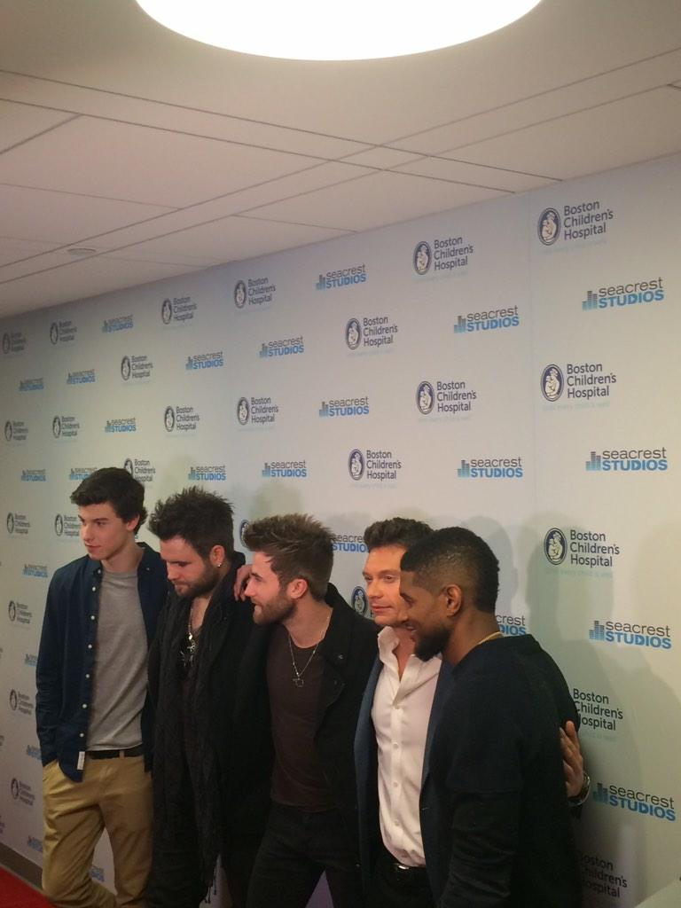 Such a fun opening of #SeacrestStudios today w/ @RyanSeacrest @RyanFoundation @Usher @ShawnMendes @SwanBrothers! http://t.co/MPQsND1ECx