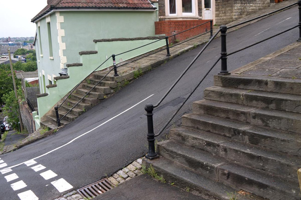 Not for the weak-willed, here are ten of the UK's steepest climbs. How many have you tackled? http://t.co/BcBwXT0MEM http://t.co/PH59vpc1fo