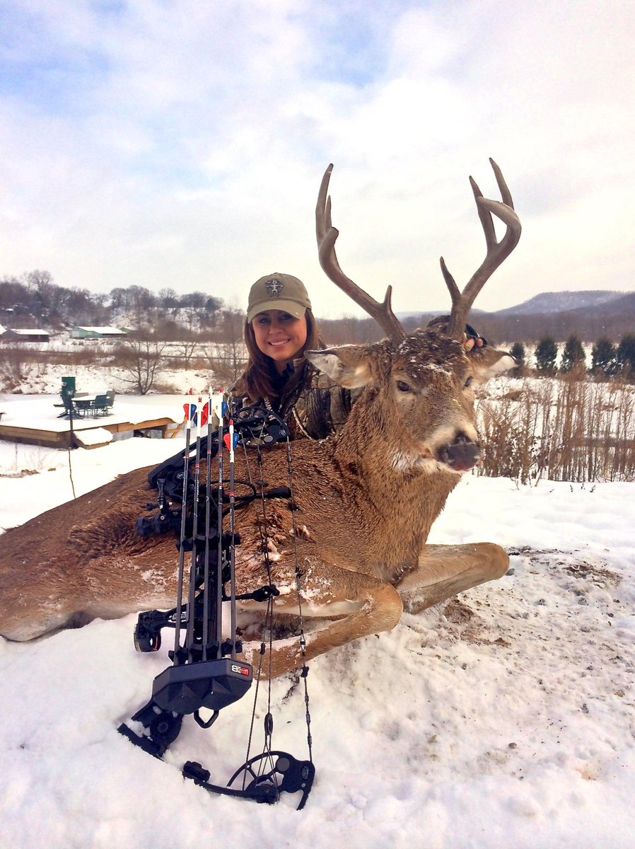 Congrats to @GinaBrunson on her first #Wisconsin buck! @Mathews_Archery @OUTDChannel @Realtree @MuddyOutdoors http://t.co/2f6beaxYMW