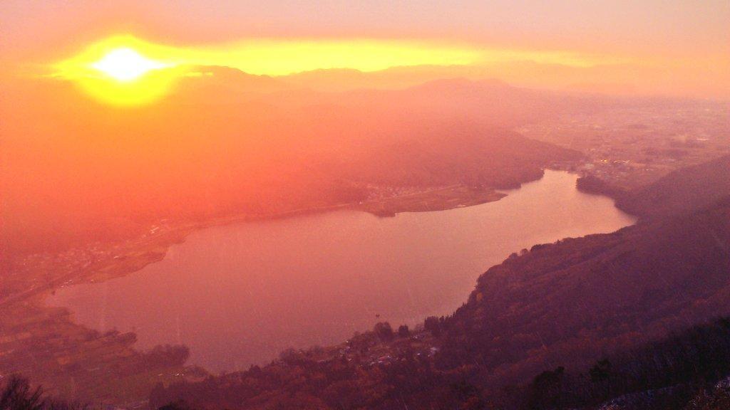 今日の木崎湖 http://t.co/6Jd1qx8WH2