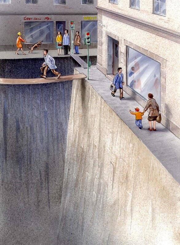 Interesantísima metáfora sobre el espacio urbano que cedemos a los coches  (via @mikefarrell) http://t.co/TEfGEGalBV
