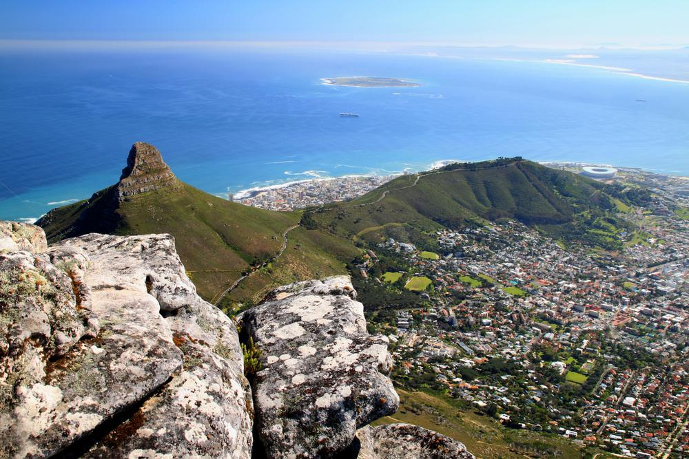 Discover Cape Town with @emirates! Book by 11/30 for the latest deals!
