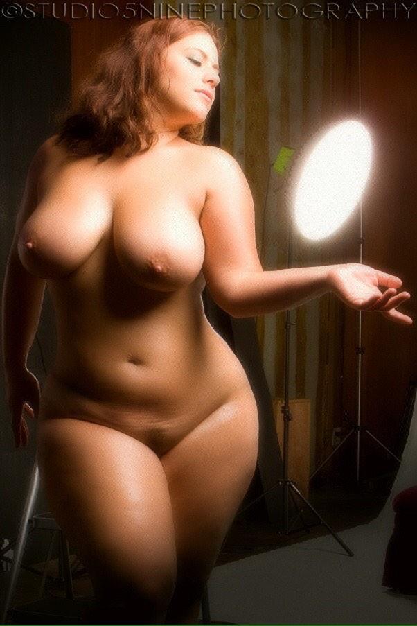 Голые фото красивых толстушек девушек