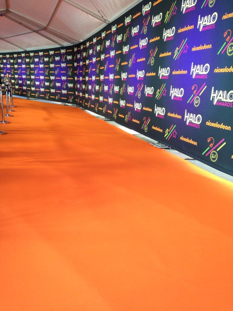 #HALOawards The Orange Carpet is down! http://t.co/nyMEnIu8IC