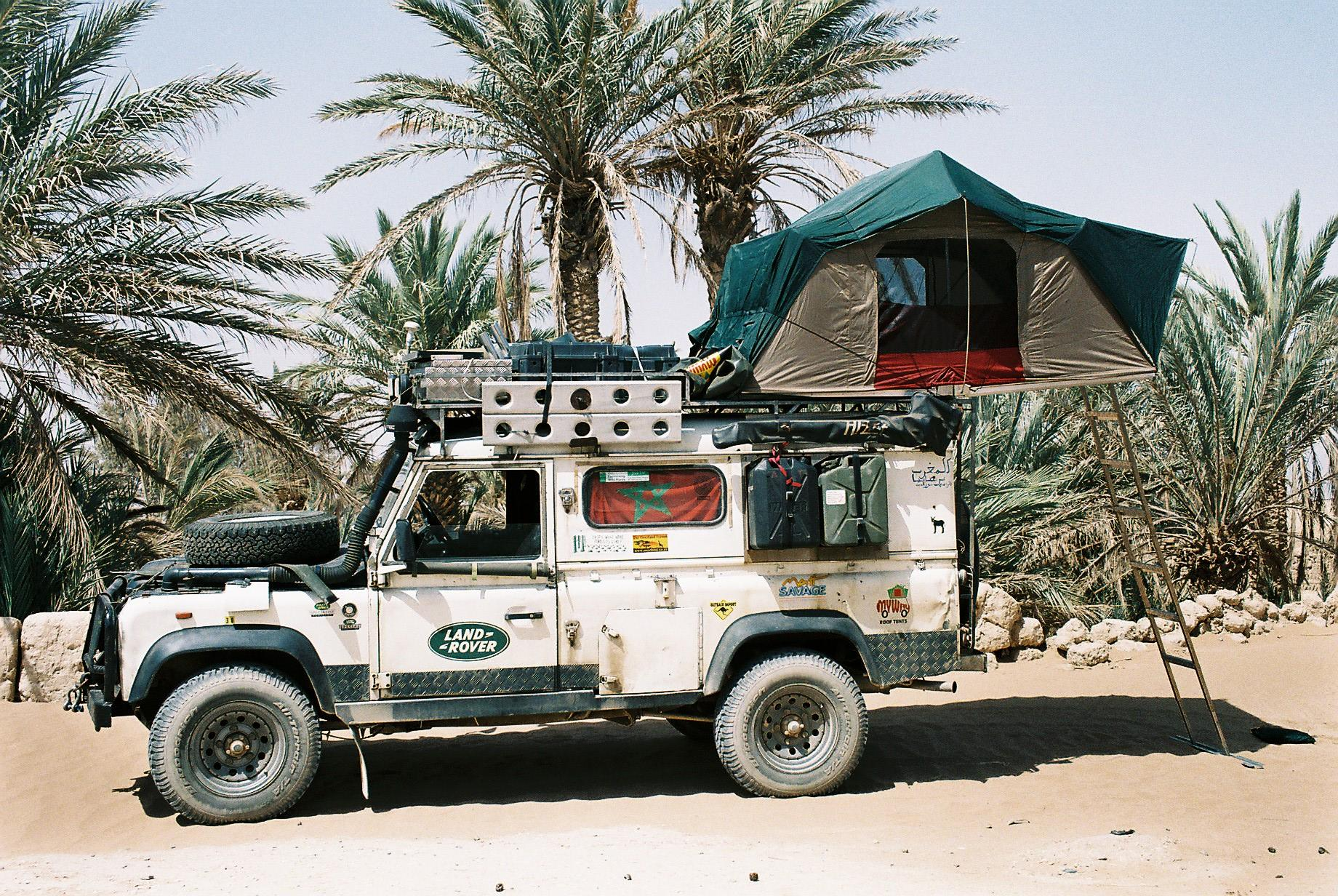 RT @SamWatson__: Camped up in an oasis, southern #Morocco @LandRover_UK #hibernot #overland http://t.co/7kiH5v5iDO