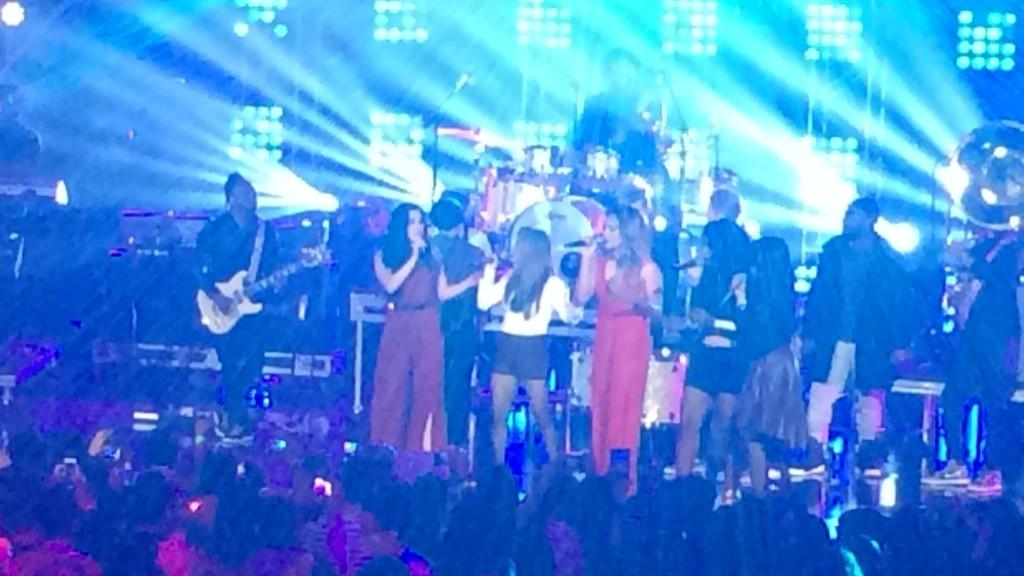 Sneak peek of the epic finale with Fifth Harmony, The Vamps and The Roots. Sun., Nov. 30 at 7pm #HALOawards http://t.co/Hy9qooltsb