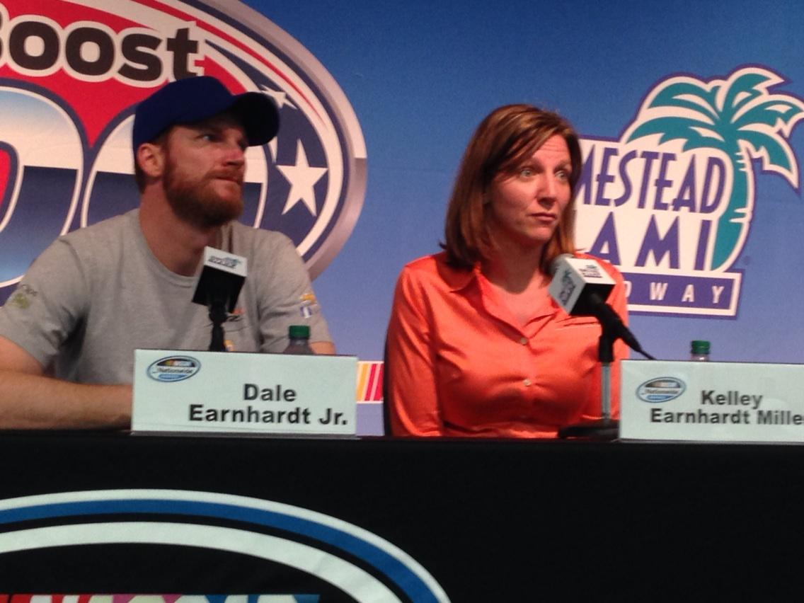 #Nascar ... Brother and sister champions. #AskMRN @MRNRadio http://t.co/jzcQXa3C08