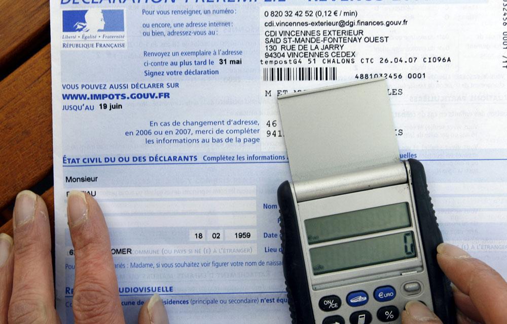 Il y aura bien 3 milliards d'euros de taxes en plus en 2015 -  A lire dans le #JDD : http://t.co/ns5ZovD3GZ http://t.co/nElbT1ssTt