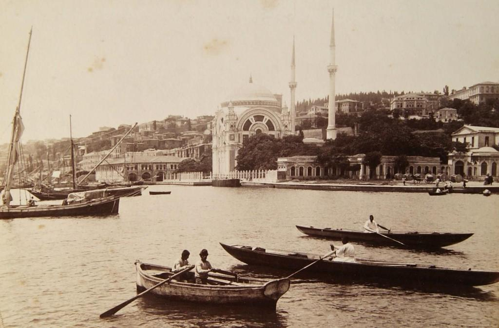 Dolmabahçe (1890'lı yıllar) #Besiktas #istanbul http://t.co/avq47lfVlI