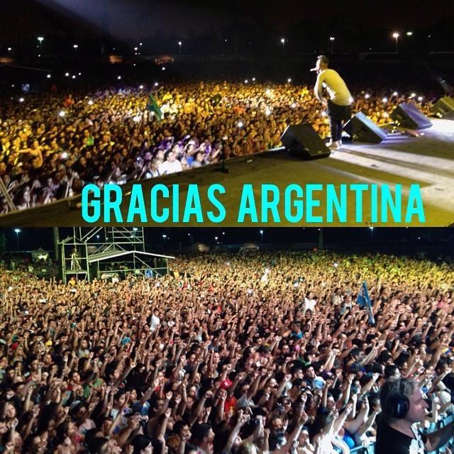 Redimi2 (@RealRedimi2): Ver a mas de 35,000 personas reunidas en #ElnombredeJesus es una experiencia única! Gracias a: Ale gomez y a toda... http://t.co/bZDeCCD1lh