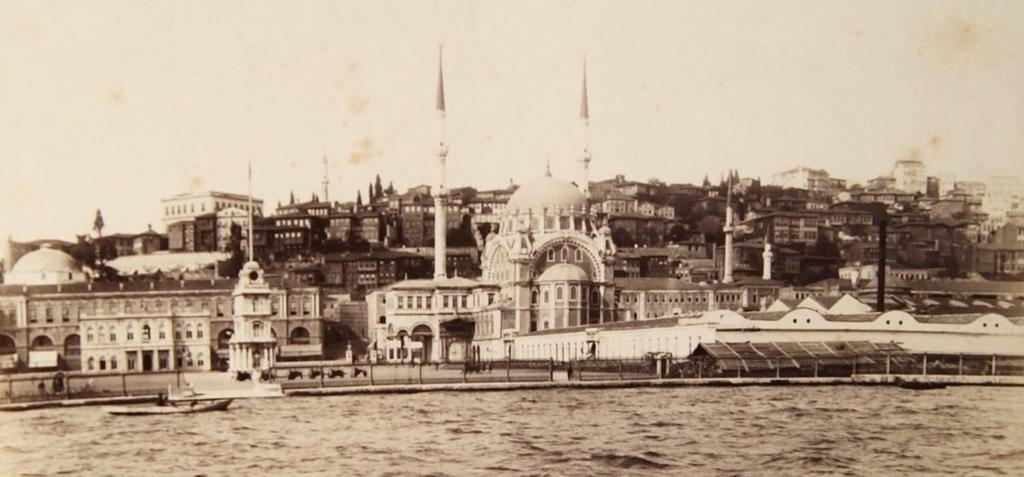 Tophane (1890'lı yıllar) #Beyoğlu #istanbul http://t.co/WfDDh4rbMA