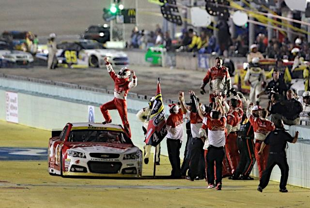 "Awesome shot!!! ""@HHinsonPhoto: The Champ.  @BudweiserRacing @KevinHarvick   #NASCAR  #4thecup http://t.co/QS2RHASGFF"""